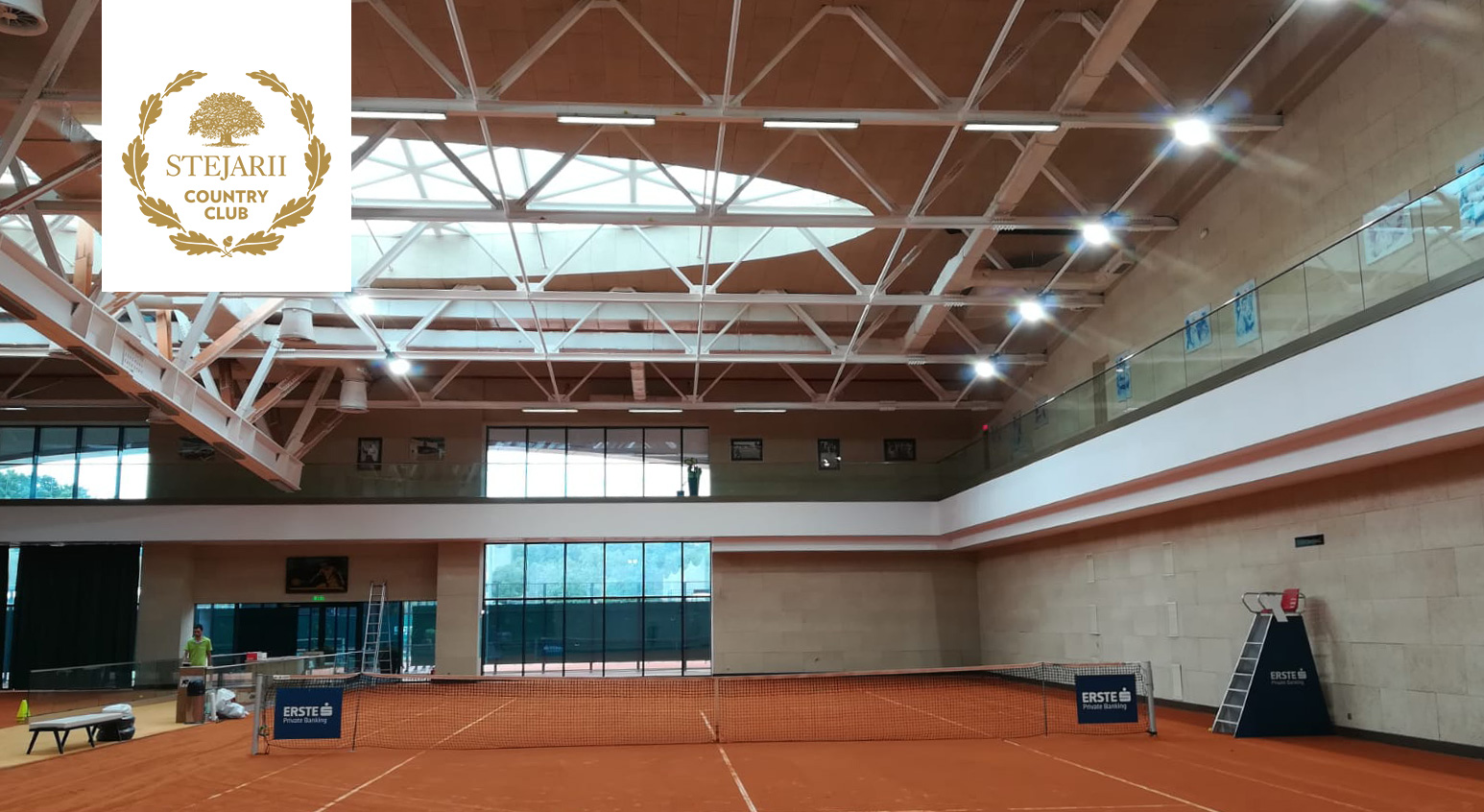 Iluminare teren tenis - Stejarii Country Club