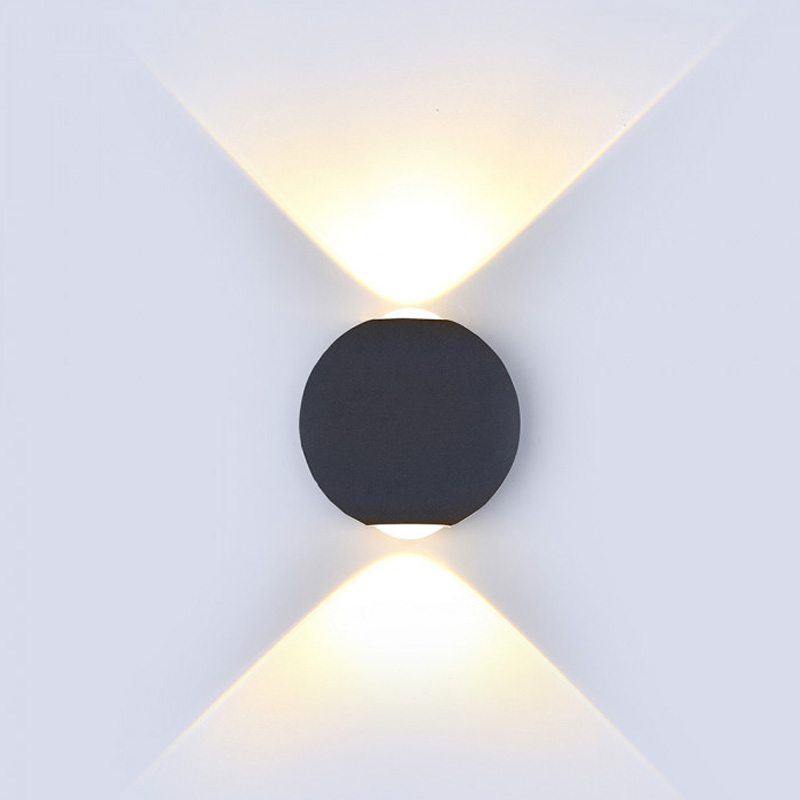 Lampa LED 6W Rotunda cu Corp Negru, IP65, Lumina Calda (3000K)