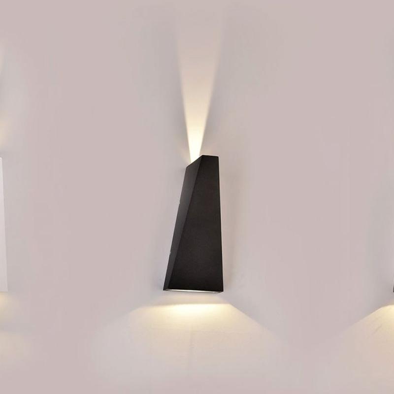 Lampa LED 6W pentru Exterior, Corp Negru, IP65, Lumina Calda (3000K)