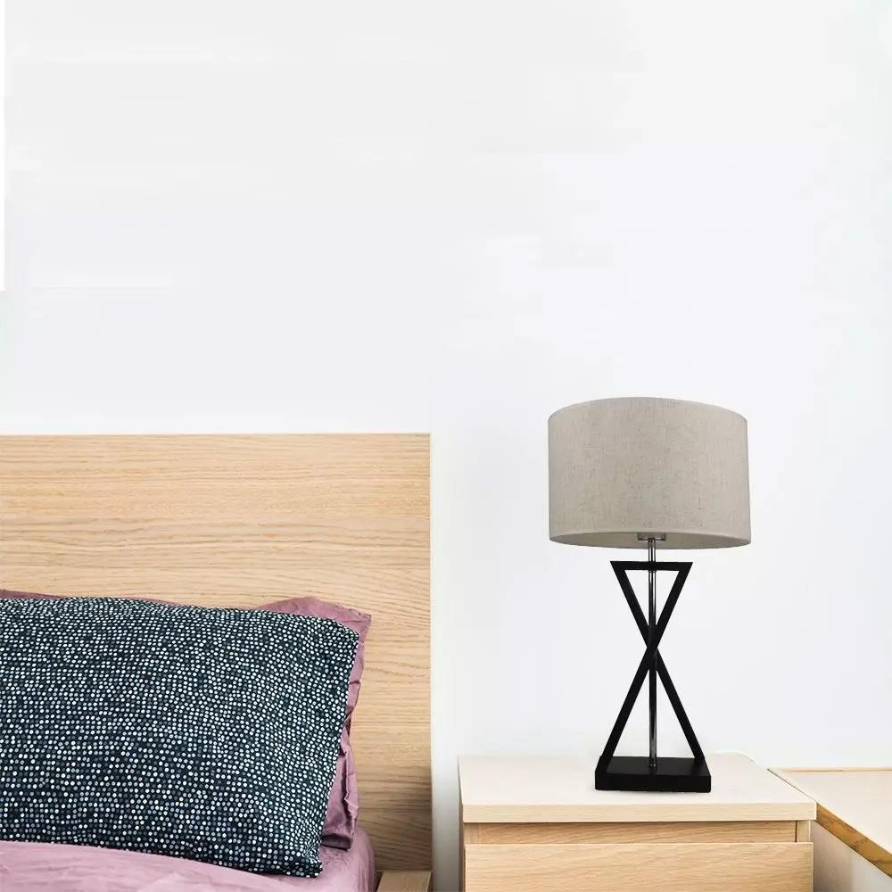 Lampa de Birou E27 Abajur Ivoar Baza Neagra, Intrerupator rotund